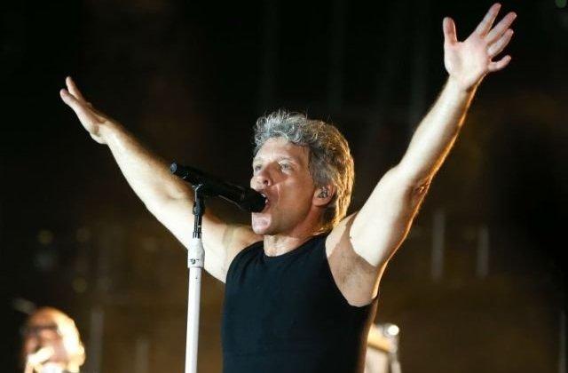 """Bon Jovi isi cere scuze dupa concertul de la Bucuresti: """"Imi pare rau ca nu am fost chiar pe ritm"""". Reactiile fanilor/ VIDEO"""