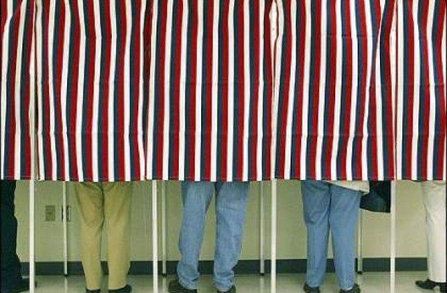 REFERENDUM 2012: 45,92% prezenta la vot la inchiderea urnelor