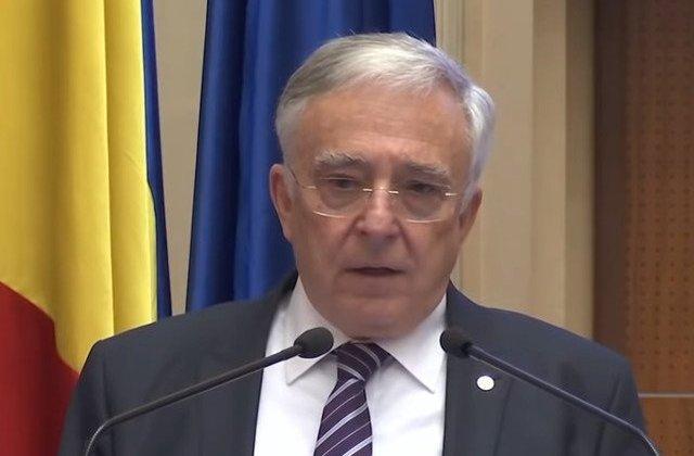 Mugur Isarescu: Cine mai da credite in Romania daca bancile au puscaria in stanga si in dreapta ricul sa piarda bani? / VIDEO