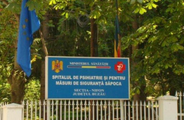 Un barbat internat la Spitalul Sapoca a omorat patru pacienti si a ranit alti 9 cu un stativ de perfuzie