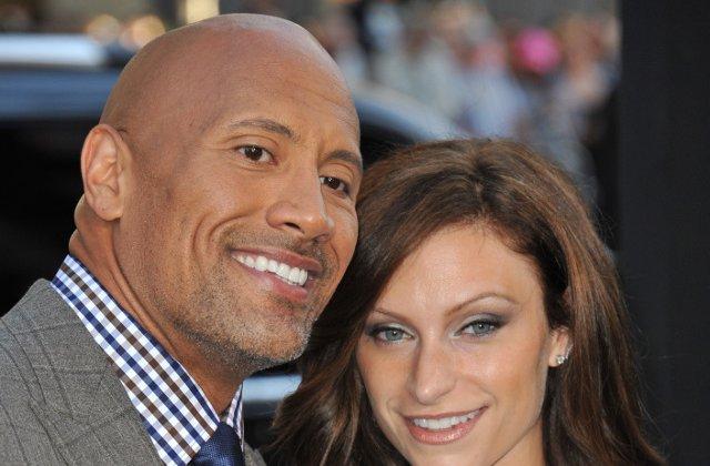 Actorul Dwayne Johnson s-a casatorit in secret cu Lauren Hashian, in Hawaii/ FOTO