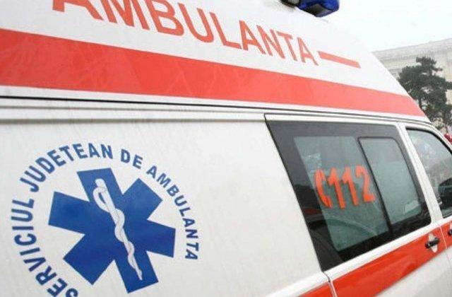 Un copil de 5 ani a murit intr-un accident de masina, dupa ce autoturismul a intrat in depasire, pe un drum din Salaj