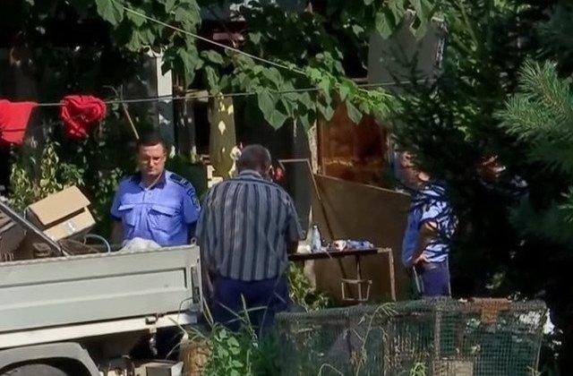 Alte fragmente osoase au fost gasite in curtea lui Gheorghe Dinca