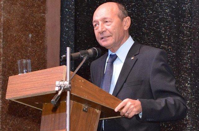 """Basescu, despre """"Pactului national pentru bunastarea romanilor"""": E cel mai mare fals pe care l-am vazut pus pe hartie"""