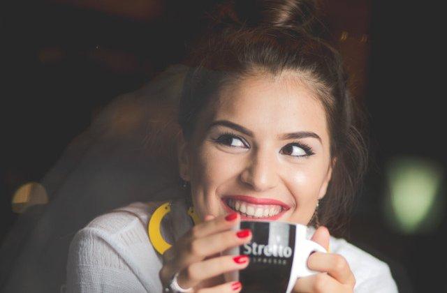 Pentru iubitorii de cafea: 10 citate pentru a-ti incepe ziua intr-o nota pozitiva