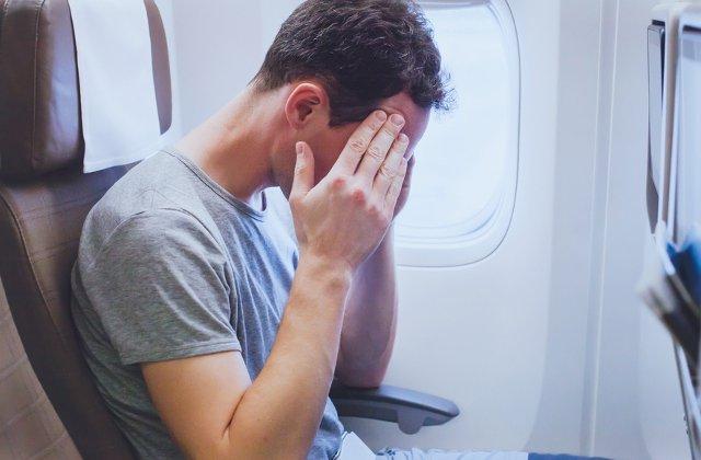 Frica de zbor, o problema tot mai frecventa in randul pasagerilor. Ce putem face pentru calatorii aeriene mai linistite?