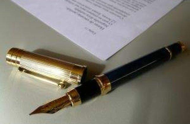 Blaga, Ungureanu si Pavelescu au semnat protocolul Aliantei Romania Dreapta