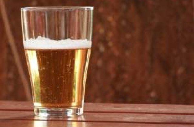 Cate minute trebuie sa munceasca un roman pentru a-si permite o sticla de bere?