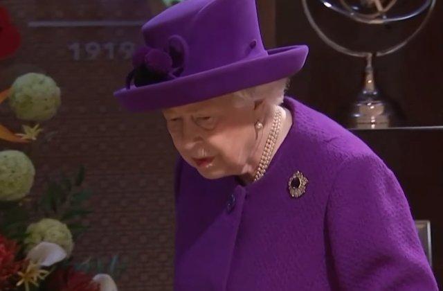 Regina Elisabeta a II-a renunta la achizitia de haine din blana naturala
