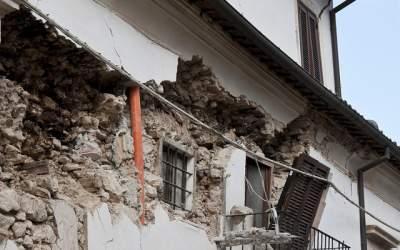 Cutremur in Franta, soldat cu...