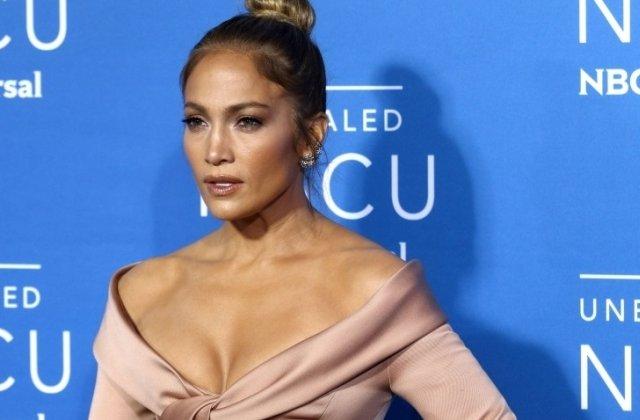 """Jennifer Lopez a dezvaluit ca un regizor i-a cerut sa-i arate sanii: """"Am intrat in panica"""""""
