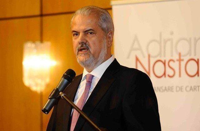 "Nastase, despre Iohannis: In perioada in care era primar ""a supt"" serios de la PSD, partidul pe care acum il demonizeaza"