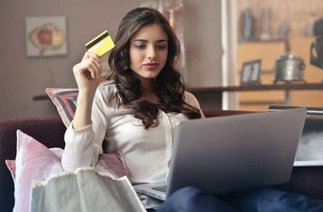 Dependenta de cumparaturile online este o afectiune mintala, sustin cercetatorii