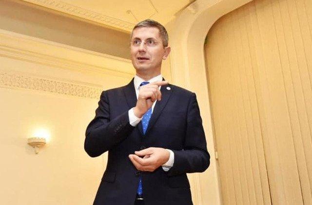 Dan Barna: Particip la vot si votez actualul presedinte