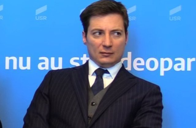 Andrei Caramitru: PNL a facut o mare ticalosie in turul unu. Au reusit sa o propulseze pe Dancila in turul doi