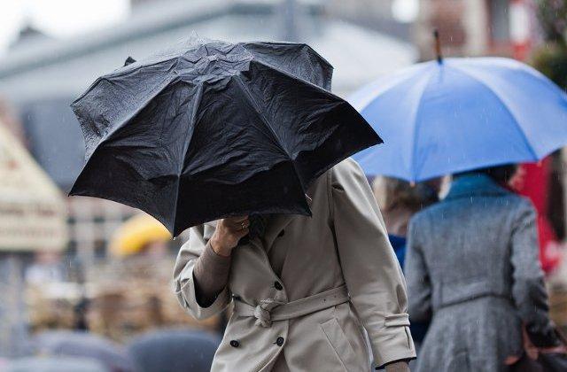 Temperatura maxima nu trece vineri de 2 grade, in Capitala. Spre seara, posibil lapovita si ninsoare