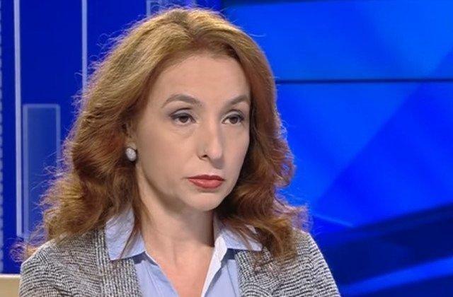 Ingrid Mocanu: Felicitari Mos Taricene! Ai reusit sa iesi din politica fix ca o lichea!