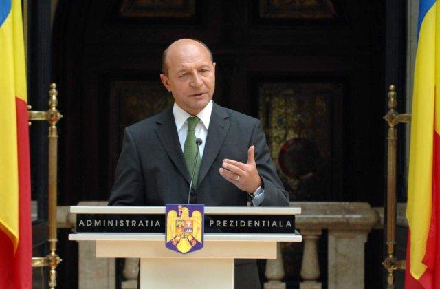 Basescu: Plesu, Cartarescu, Patapievici, discreditati de propaganda ce aminteste de trecut