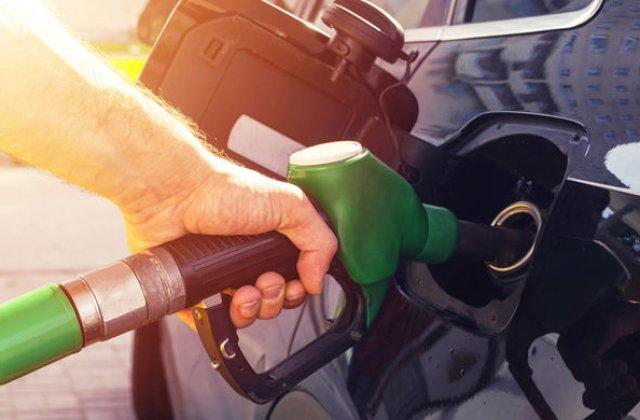 Supraaciza la carburanti va fi eliminata: preturile ar trebui sa scada cu circa 0.3 lei pe litru