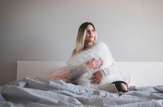 Iarna iti afecteaza somnul: 7 motive pentru care te odihnesti mai putin in sezonul rece