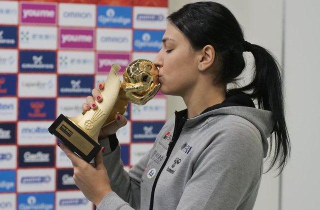 Cristina Neagu a primit trofeul de cea mai buna jucatoare a lumii