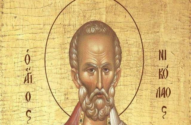 Peste 10.000 de credinciosi s-au inchinat la moastele Sfantului Nicolae si Sfantului Nectarie