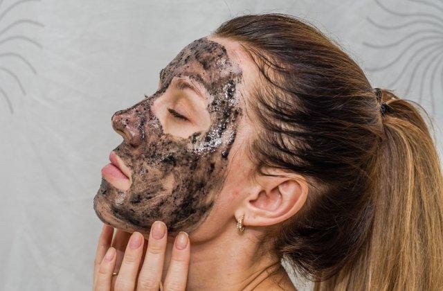Masca din doua ingrediente care ajuta la intinerirea tenului