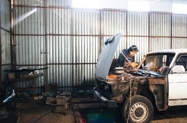 Cum aduci o masina veche la gloria de altadata fara mari batai de cap