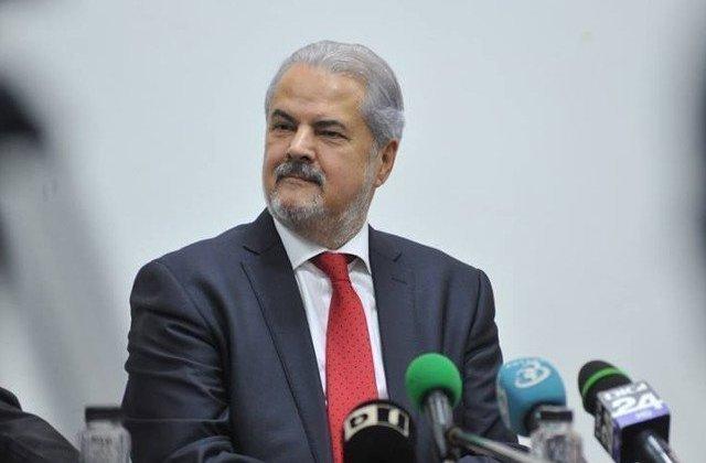 Adrian Nastase, despre Iohannis: Un personaj ipocrit si penibil. A ales sa fie doar presedintele liberalilor