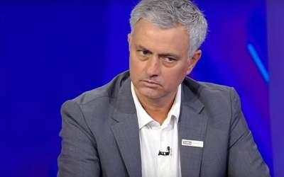 Antrenorul Jose Mourinho a...