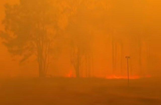 Bilantul deceselor in urma incendiilor din Australia a crescut la 27. Evacuare in masa dupa revenirea conditiilor meteo periculoase