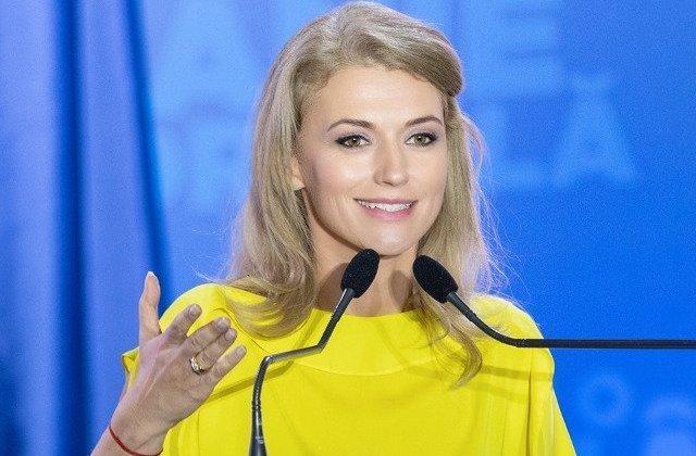 Alina Gorghiu: Cata energie trebuie sa pierzi facand balet, in loc sa te ocupi de guvernare?!