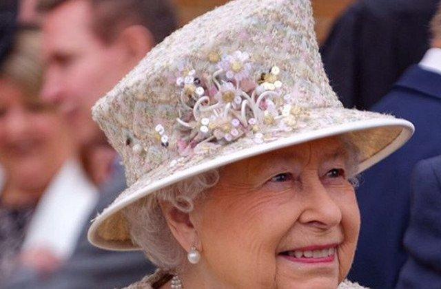 """Regina Elisabeta a II-a stabileste """"o perioada de tranzitie"""" pentru ducii de Sussex"""
