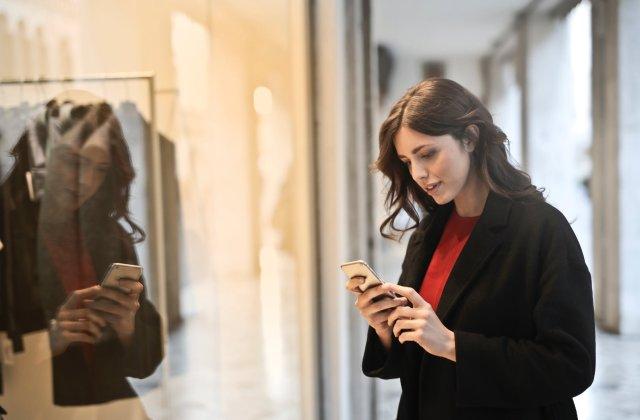 Ia-le in considerare si corecteaza-le: 5 greseli pe care le faci cand folosesti telefonul mobil