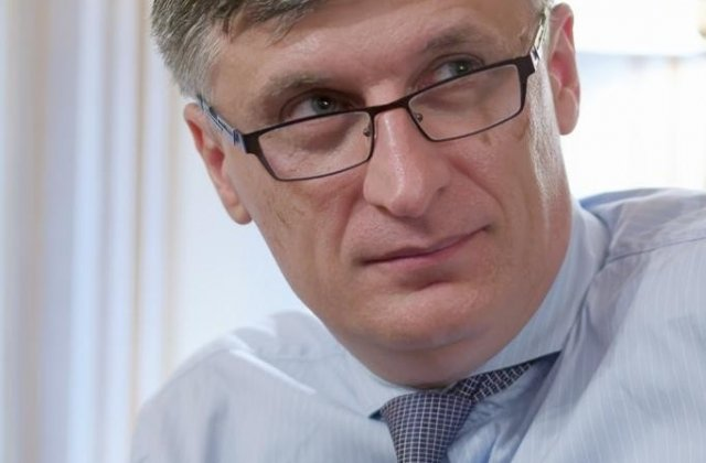 Fostul ambasador in Finlanda Catalin Avramescu si deputatul Ion Cupa s-au inscris in PMP