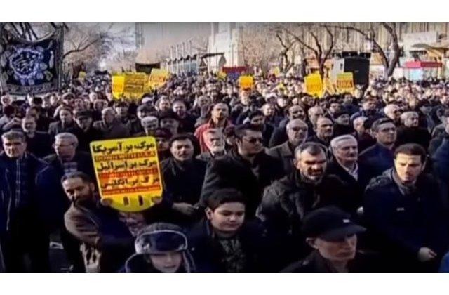 Irakienii protesteaza la Bagdad impotriva prezentei trupelor SUA