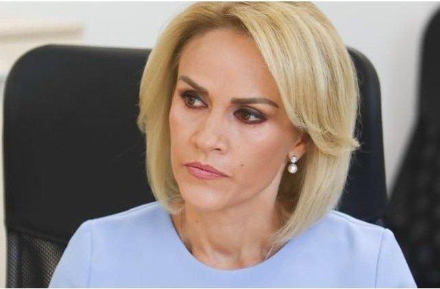 """Firea, atac la Orban cu citate din Camus: """"Prostia are talentul de a fi insistenta"""""""