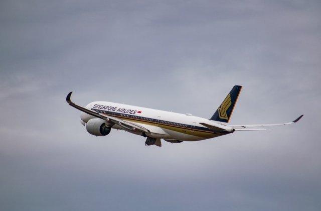 O femeie a nascut in avion, in timpul cursei /VIDEO