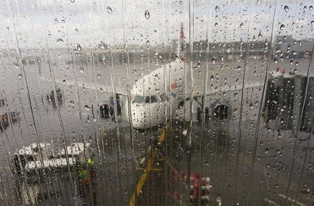 Furtuna Ciara a provocat numeroase intreruperi de curent si anulari de zboruri in nordul Europei