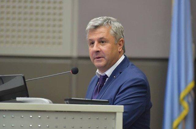 Iordache, la CCR: Legile bugetului trebuie dezbatute si aprobate, nu asumate, in virtutea Constitutiei