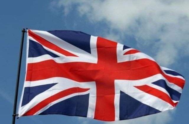 """Regatul Unit va """"inchide robinetul"""" pentru strainii slab calificati"""