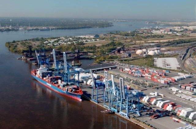 Portul Constanta: 16 containere cu deseuri au fost descarcate de pe un vapor olandez