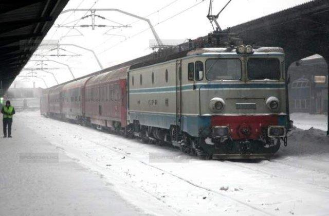 CFR: Trenurile care circula prin sudul si sud-estul tarii, intarzieri intre 30 si 120 de minute