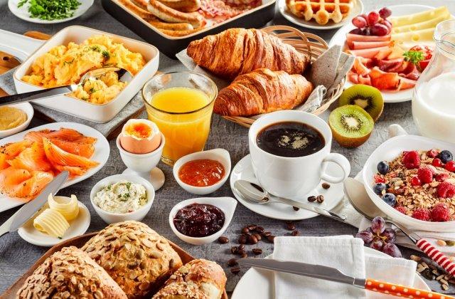 5 alimente de evitat (si 5 benefice) pentru consumul pe stomacul gol