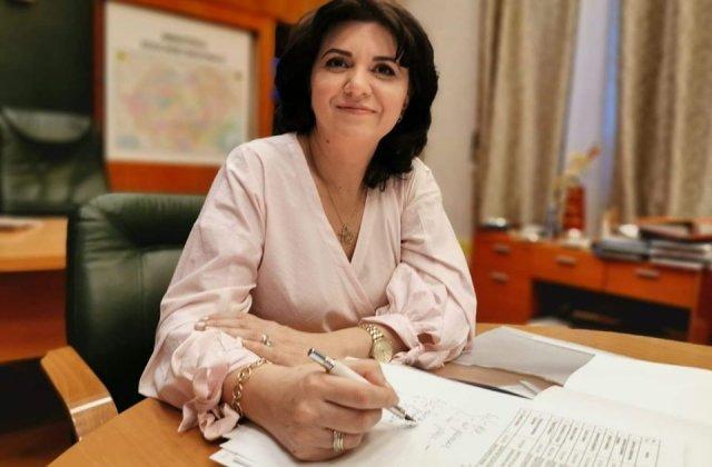 """Ministrul Educatiei: """"Pana dupa Paste scolile sunt inchise"""""""