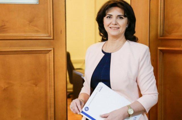 """Anisie, apel la calm: """"Nu se pune problema inghetarii anului scolar"""""""