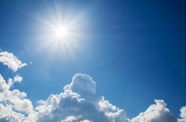 Se anunță temperaturi mai ridicate în weekend. Prognoza meteo pentru următoarele zile