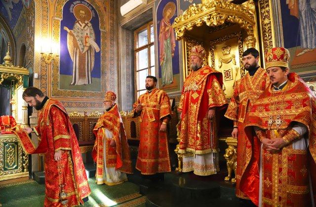 """VIDEO ÎPS Teodosie vrea biserici deschise de Paște: """"Numai bisericile sunt închise, celelalte instituții primesc câte unul"""""""