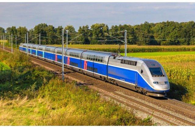 În plină criză economică, statul vrea să cumpere 20 de trenuri electrice cu 3,7 miliarde lei