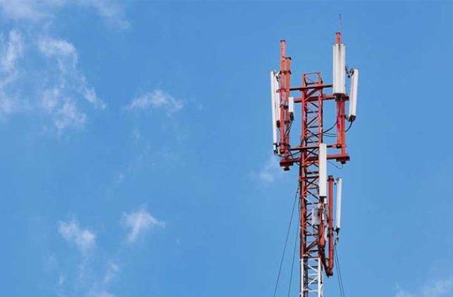 Paranoia conspirațiilor: Antene 5G, atacate de teamă că ar răspândi coronavirus